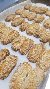 Regina biscuits - Saffron and Sesame Biscuts